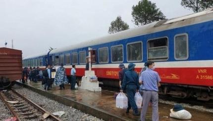 Tạm dừng chạy nhiều đoàn tàu khách Thống nhất để tránh bão số 9