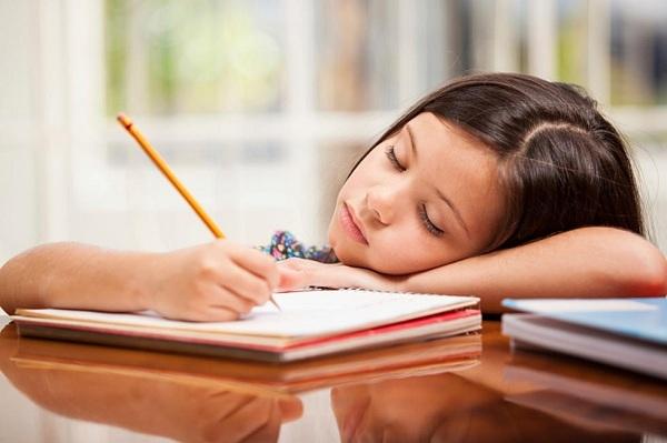 Tại sao không nên giao bài tập về nhà cho trẻ?.1