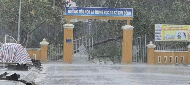 Thừa Thiên Huế, Đà Nẵng tiếp tục cho học sinh nghỉ học do ảnh hưởng bão số