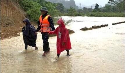 Thừa Thiên Huế, Đà Nẵng tiếp tục cho học sinh nghỉ học do ảnh hưởng bão số 9