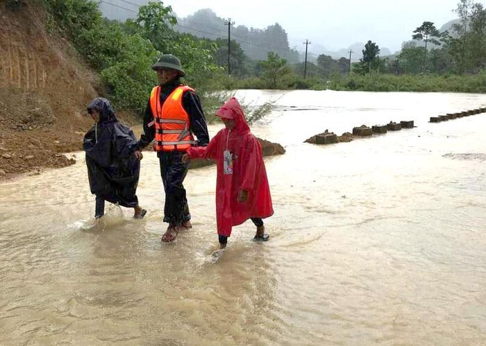 Đắk Lắk thông báo khẩn cho học sinh nghỉ học do ảnh hưởng bão số 9