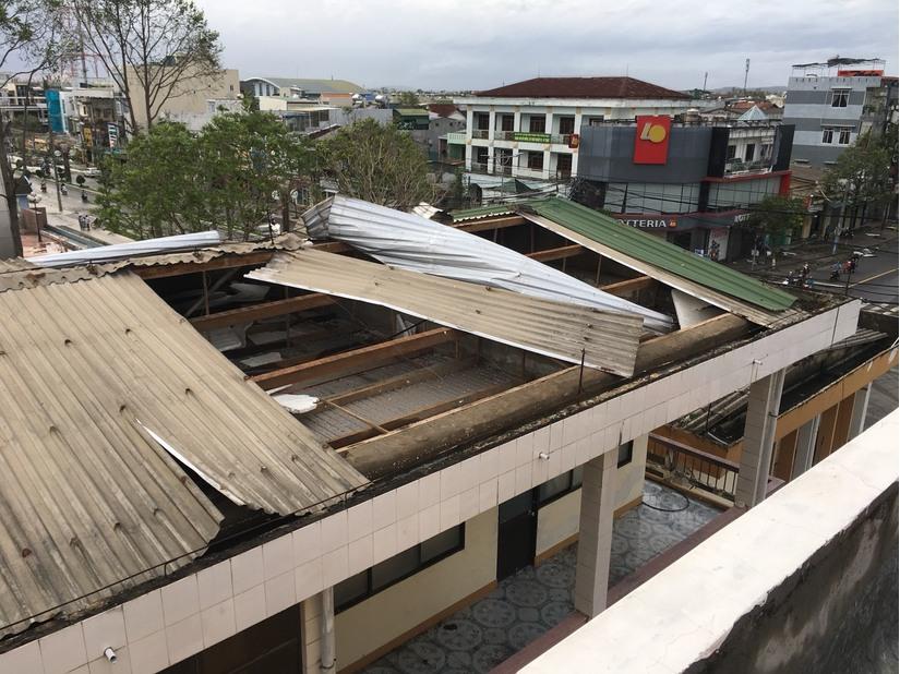 Ngành giáo dục Đà Nẵng, Quảng Nam, Quảng Ngãi thiệt hại nặng nề sau bão số 9. 4