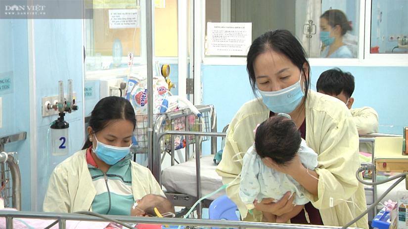 400 trẻ nằm chen nhau trên 140 giường vì bệnh đường hô hấp
