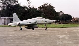 Rơi máy bay làm phi công Đài Loan tử nạn trên biển