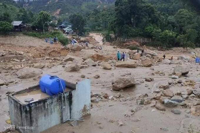 Lại sạt lở ở Quảng Nam, tìm thấy 3 thi thể, còn 8 người mất tích