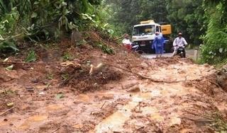 Sạt lở đất ở Nam Trà My: Động viên, giữ học trò Trà Leng ở lại trường