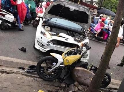 Tin tức tai nạn giao thông ngày 29/10: Đạp nhầm chân ga, ô tô tông chiến sĩ cảnh sát bị thương