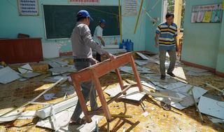 Khẩn trương dọn dẹp trường lớp sau bão để đón học sinh đi học trở lại