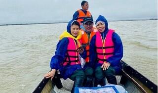 Hồ Ngọc Hà tiết lộ Trấn Thành gửi thêm tiền để cứu trợ miền Trung