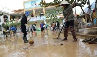 Bộ Y tế lập tổ công tác hỗ trợ các tỉnh miền Trung xử lý vệ sinh môi trường sau lũ