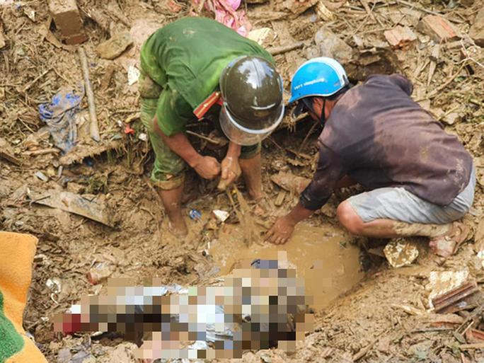 Quảng Nam: Tìm thấy 22 thi thể, còn 23 người mất tích do sạt lở