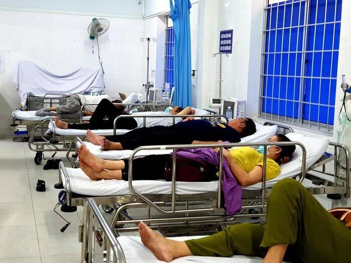 Hàng chục du khách nhập viện sau khi ăn trưa tại khách sạn ở Vũng Tàu