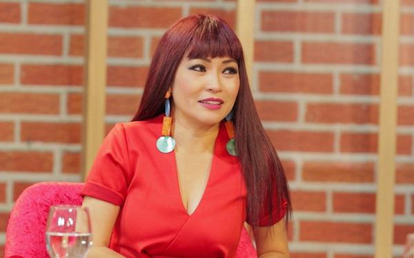 Phương Thanh bị chỉ trích khi nói người dân Quảng Ngãi chê nhu yếu phẩm, chờ Thuỷ Tiên cho 10 triệu