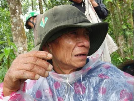 Nước mắt người Trà Leng: 'Cả nhà, 8 người thân của bố đã chết hết rồi'