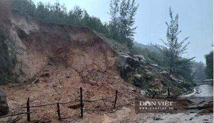 Hà Tĩnh: Sạt lở núi ở 2 xã, ban hành 7 lệnh sơ tán dân khẩn cấp