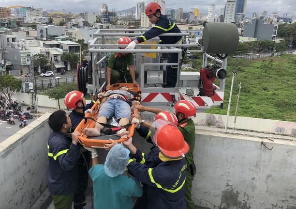 Thi công chống thấm, nam công nhân bị điện giật tử vong