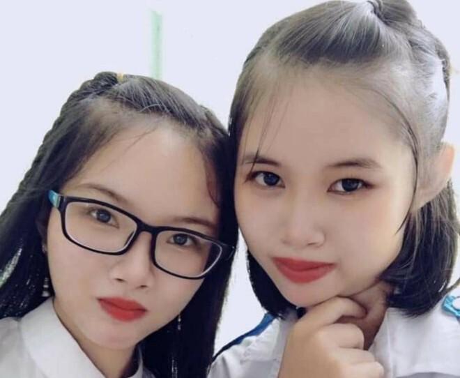 Hai sinh viên xin gia đình chở nhau đến chùa rồi mất tích