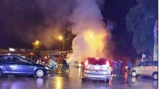Ô tô 4 chỗ cháy rụi khi đang lưu thông trên đường