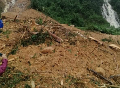 Tìm thấy 2 thi thể nghi là phu trầm gặp nạn trong vụ sạt núi tại Trạm bảo vệ rừng
