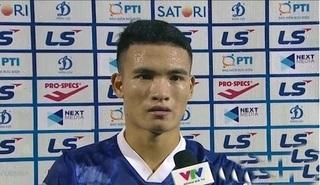 Cầu thủ Nam Định tri ân người hâm mộ bóng đá Thành Nam