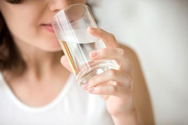 Gặp dấu hiệu bất thường này sau khi uống nước cần gặp bác sĩ ngay