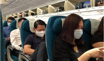 Máy bay Vietnam Airlines dừng cất cánh khẩn cấp vì nam hành khách đốt khăn giấy