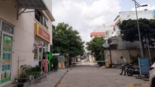 Truy tìm thanh niên chém 3 bảo vệ chung cư ở TP.HCM bị thương nặng