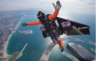 4 thiết bị công nghệ giúp con người bay lượn trên bầu trời như batman
