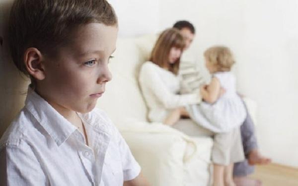 Bố mẹ thông minh không so sánh con với người khác và làm những việc này