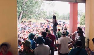Trưởng thôn bị đánh nhập viện khi kê khai danh sách nhận quà của ca sĩ Thủy Tiên