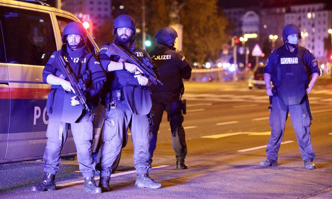 Xả súng tại thủ đô Áo, 17 người thương vong