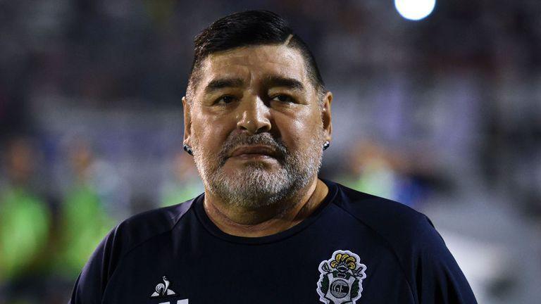 Maradona nhập viện vì một biến chứng lạ trong não