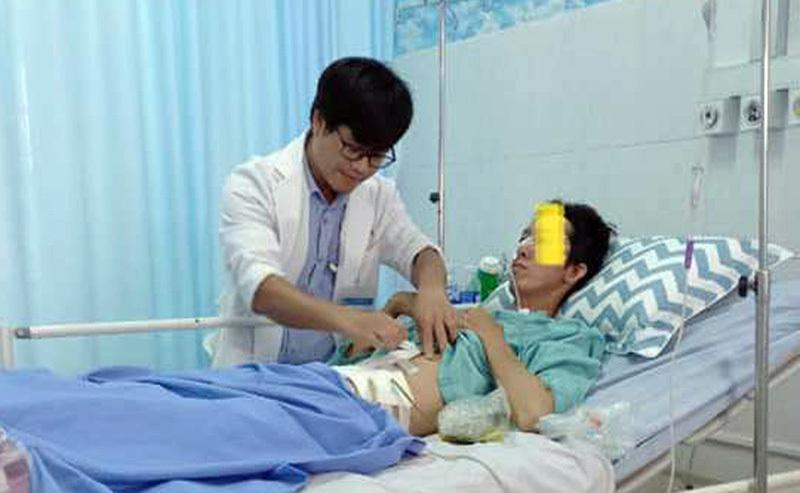 Người đàn ông đứt tĩnh mạch, mất hơn 3 lít máu do bị đâm thấu bụng