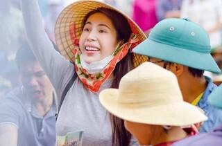Thủy Tiên hủy chuyến bay về Sài Gòn quay lại hỗ trợ Quảng Trị lần thứ 3