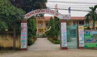 Bé gái 3 tuổi ở Thanh Hóa bị bỏ quên trong nhà vệ sinh trường mầm non
