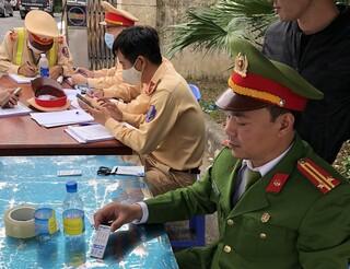 Phát hiện nhiều lái xe dương tính với ma túy trên cao tốc Nội Bài-Lào Cai