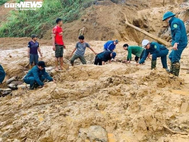 Dừng tìm kiếm nạn nhân mất tích sau sạt lở ở Quảng Nam