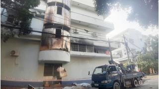 TP.HCM: Giải cứu 6 người mắc kẹt trong căn nhà bốc cháy ở quận 11