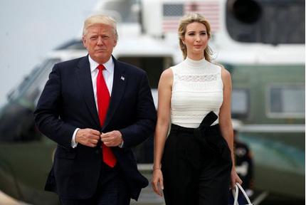 Chân dài gợi cảm là trợ thủ đắc lực của Donald Trump trong chiến dịch tranh cử quyền lực như thế nào?