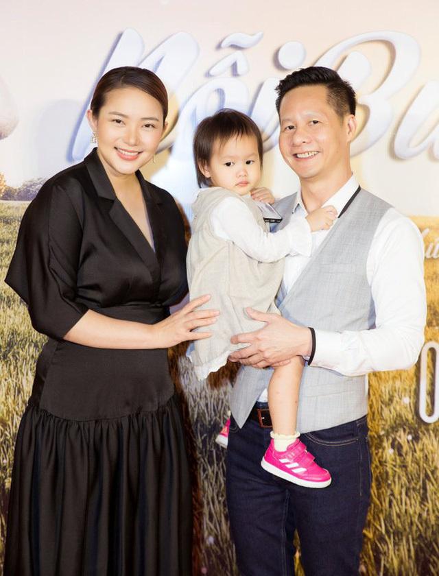 Phan Như Thảo khoe được chồng đại gia 'nuôi một cách chu đáo', bất chấp những lời chê bai 'vừa béo vừa già' từ cư dân mạng