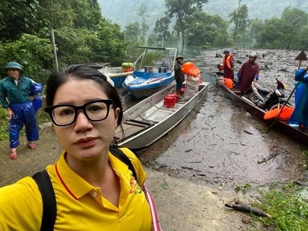 Trang Trần bênh vực Thủy Tiên: 'Làm từ thiện không phải để ăn thua'