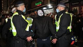 Cảnh sát Anh bắt giữ 104 người vi phạm lệnh phong tỏa mới ban hành
