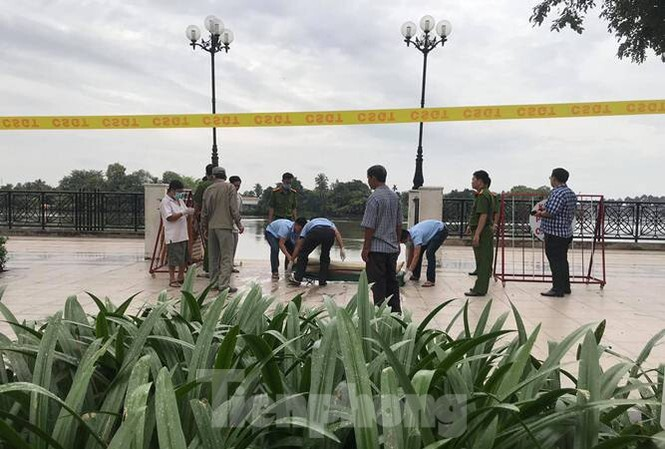 Khẩn trương tìm thân nhân cho thi thể nữ giới trôi trên sông Sài Gòn