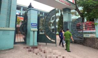 Lộ nguyên nhân 2 phụ huynh đánh nhau ở cổng trường khi đưa con đi học