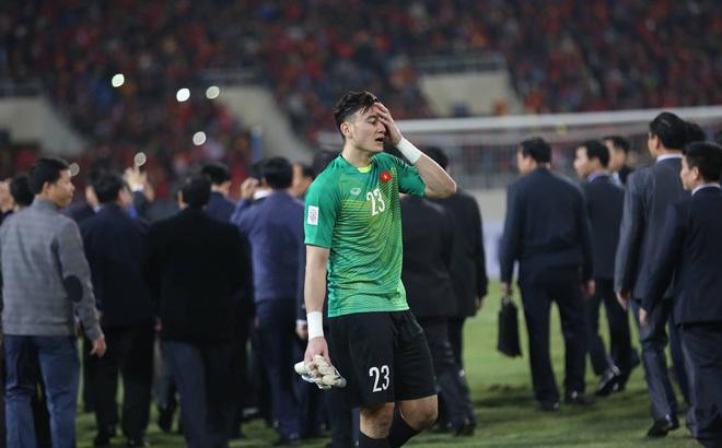 Đặng Văn Lâm lỡ hẹn đối đầu với đội tuyển Thái Lan