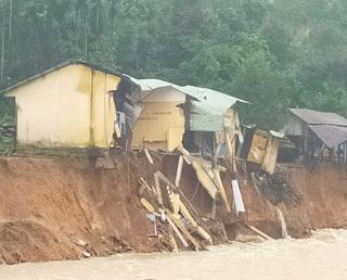 14 ngôi nhà ở xã Trà Leng bị cuốn trôi do mưa lớn gât sạt lở