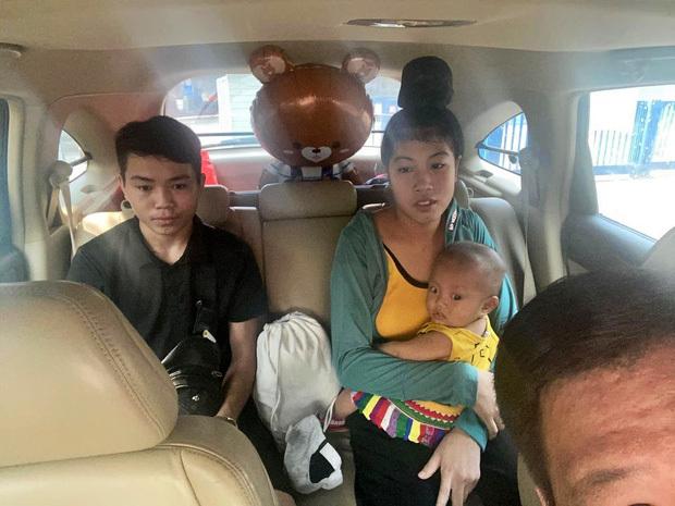 Những chuyến xe đi đến hang cùng, ngõ hẻm Hà Nội với cước phí là nụ cười của những bệnh nhân nghèo