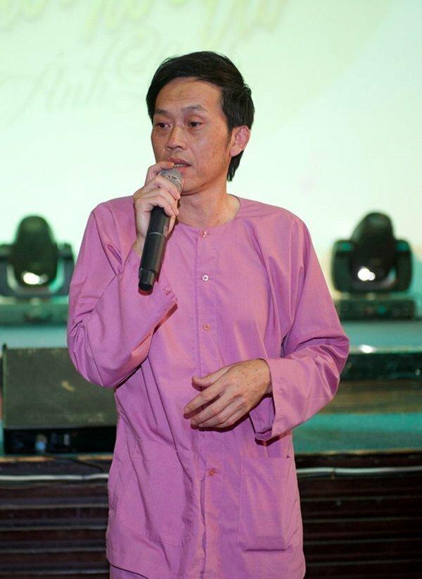 Bị mỉa mai kêu gọi quyên góp nhưng chưa từ thiện, nghệ sĩ Hoài Linh chính thức ra miền Trung