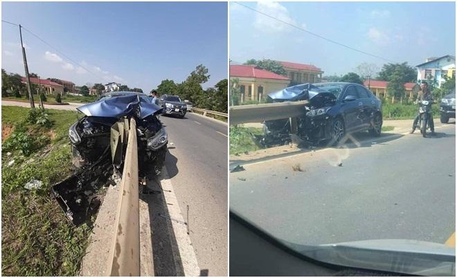 Ô tô bị xuyên thủng sau cú đâm cực mạnh vào dải phân cách: Do vợ cầm lái?