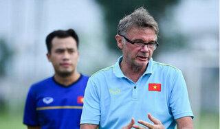 HLV Troussier chỉ ra nguyên nhân cầu thủ Việt Nam phát triển kém hơn châu Âu
